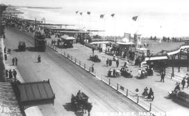 Tram eastbound, pier entrance, White Rock c1910