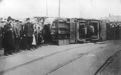 Tram on side 1-4-1907 poss Hastings