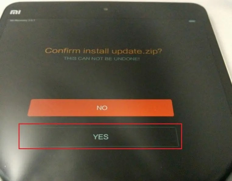 update.zipを保存したら「YES」を押して実行します。