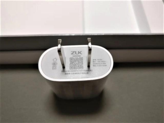 Lenovo ZUK Z2 Pro 付属品 USBアダプタ