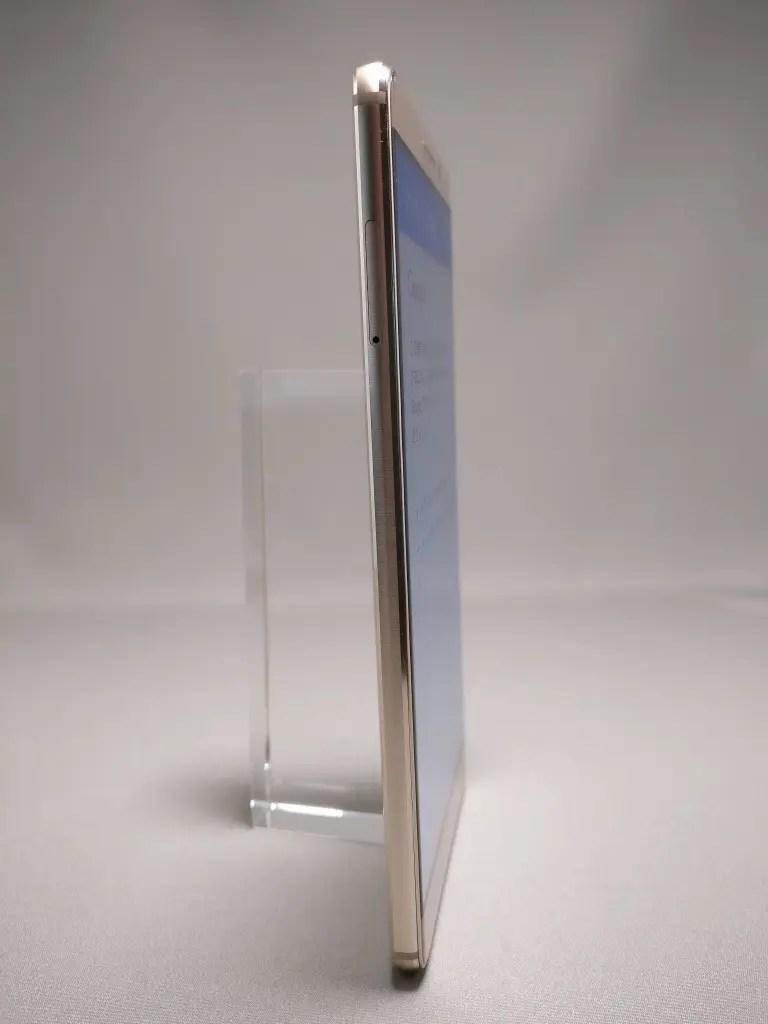 Huawei Mate 9 ゴールド 外観 表面 12