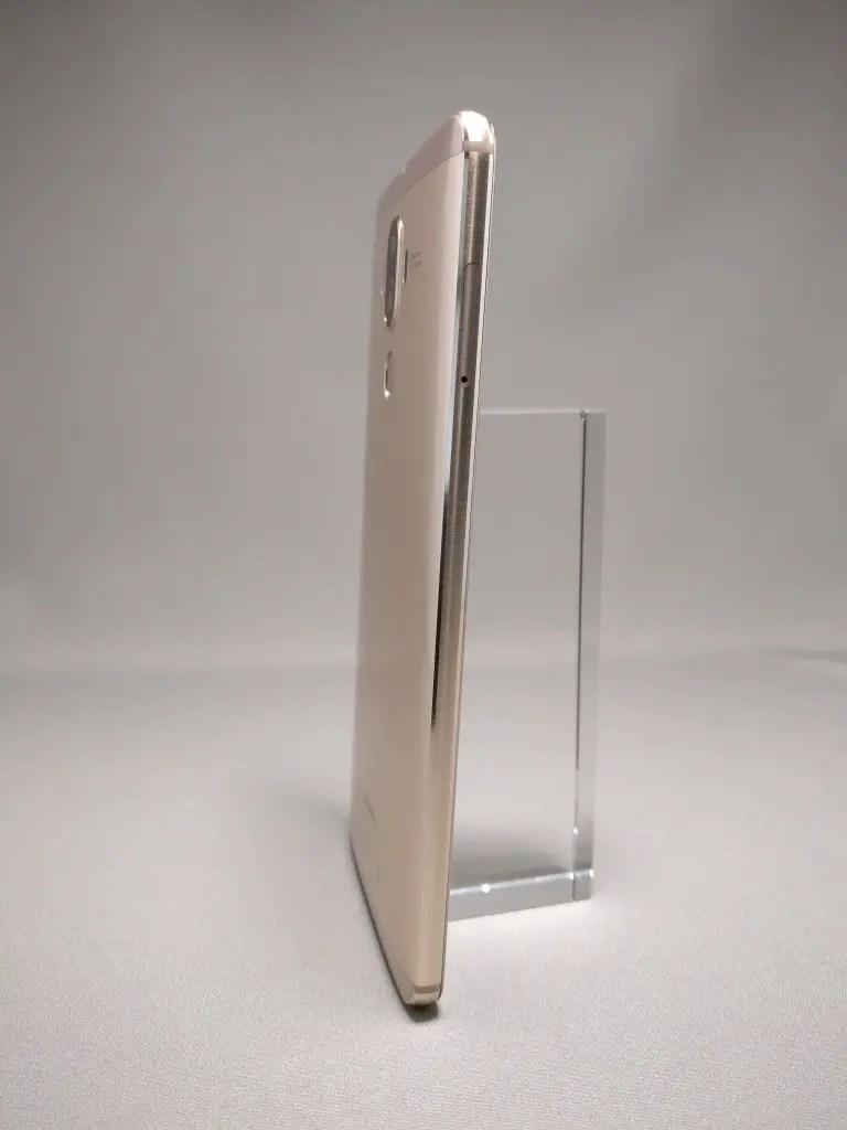 Huawei Mate 9 ゴールド 外観 裏面 10