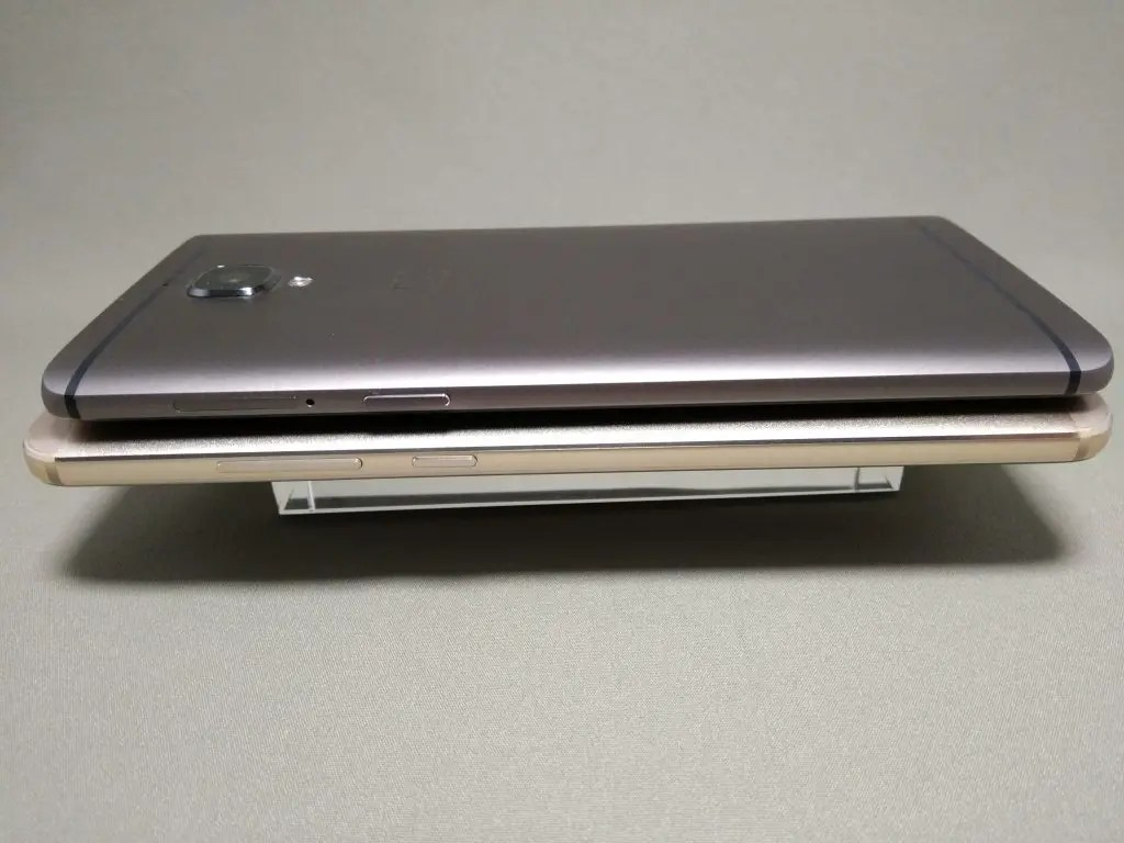 OnePlus 3TとHuawei Mate9 側面右