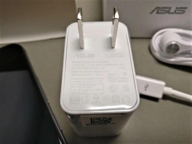 ASUS Zenfone Max 3 付属品 USBアダプタ