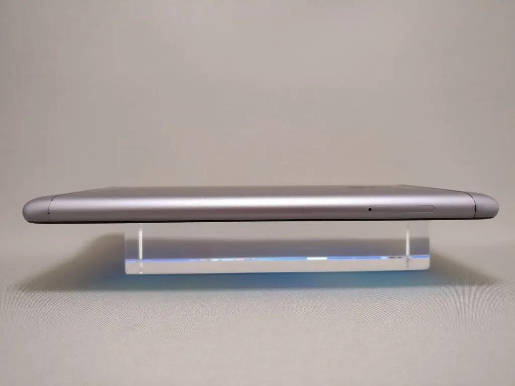 ASUS Zenfone Max 3 側面 左