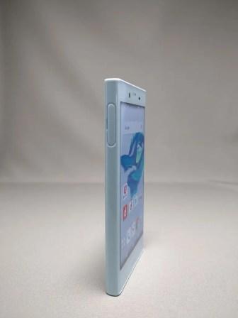 Xperia X Compact 表面 2