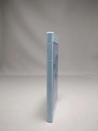 Xperia X Compact 表面 3