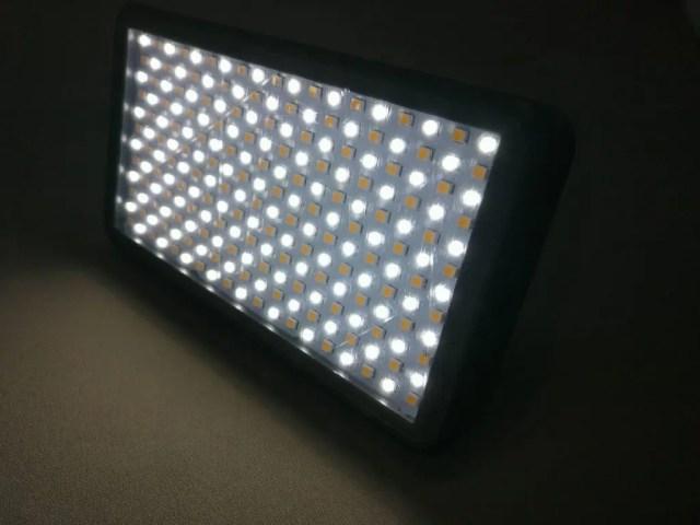 Andoer LEDビデオライト 寒色系