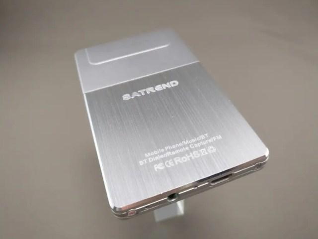 SATREND A10 GSM ミニカードフォン 裏斜め