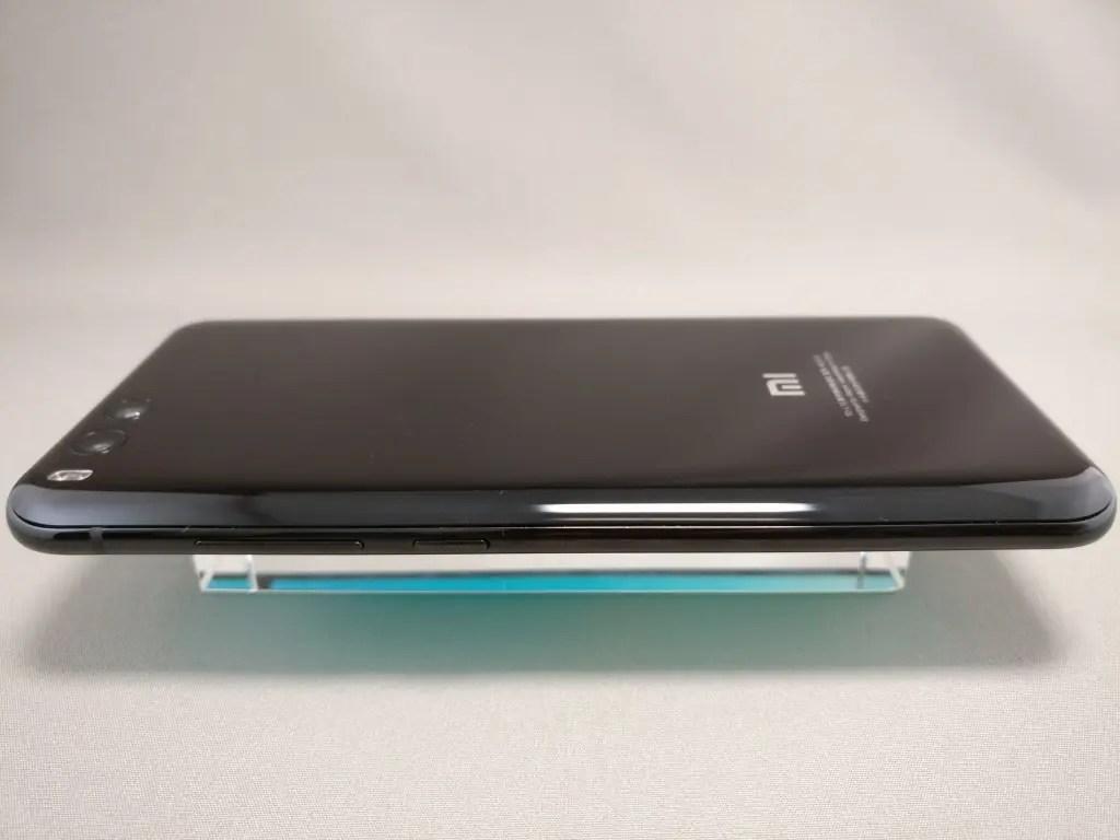 Xiaomi Mi6 側面右