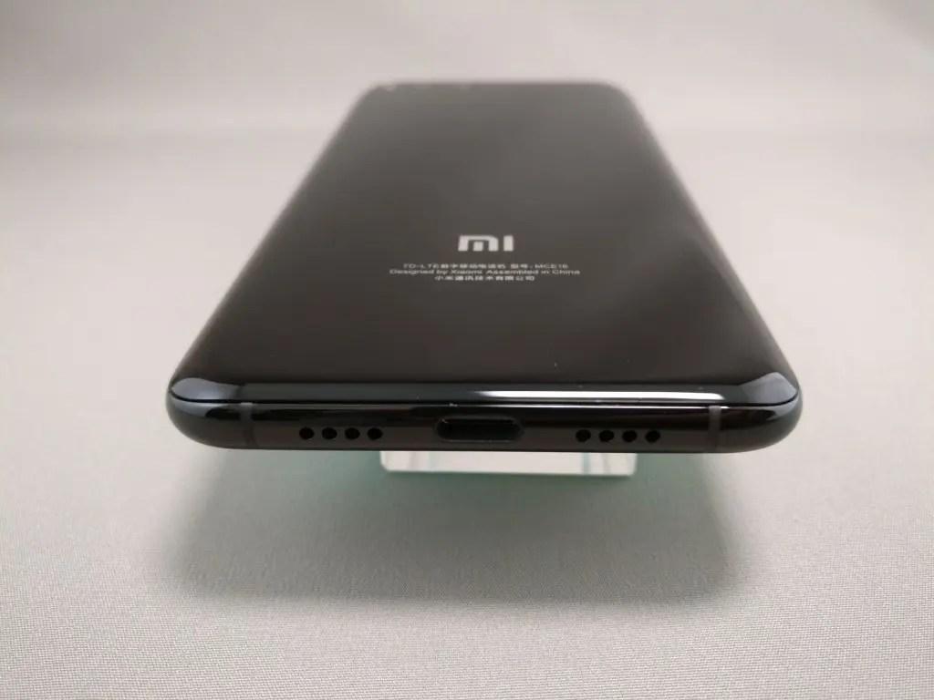Xiaomi Mi6 側面下