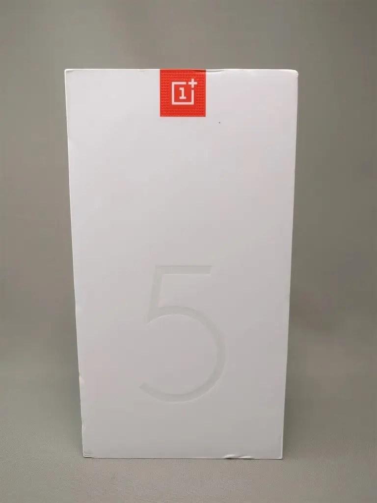 OnePlus5 化粧箱 表