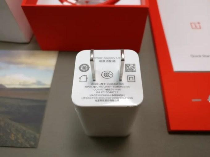 OnePlus5 付属品 USBアダプタ