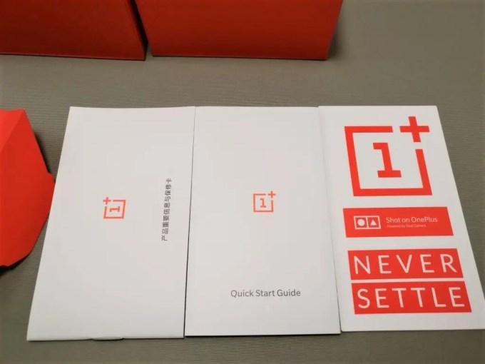 OnePlus5 付属品 取説類