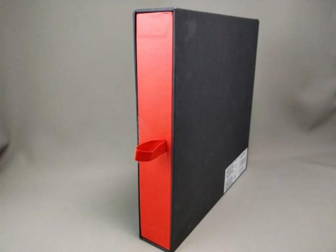 Ulefone Gemini Pro 化粧箱 表 斜め