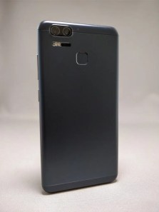ASUS Zenfone Zoom S 裏6