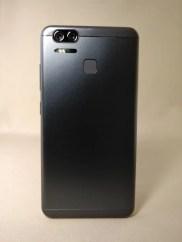 ASUS Zenfone Zoom S 裏面8
