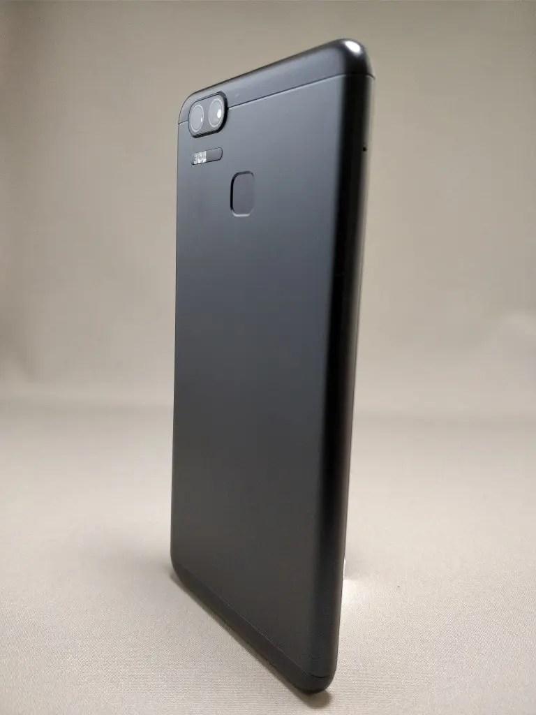 ASUS Zenfone Zoom S 裏12