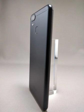 ASUS Zenfone Zoom S 裏13