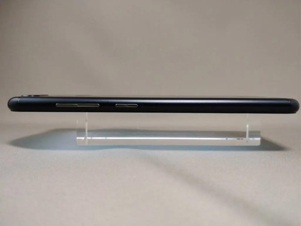ASUS Zenfone Zoom S 側面右