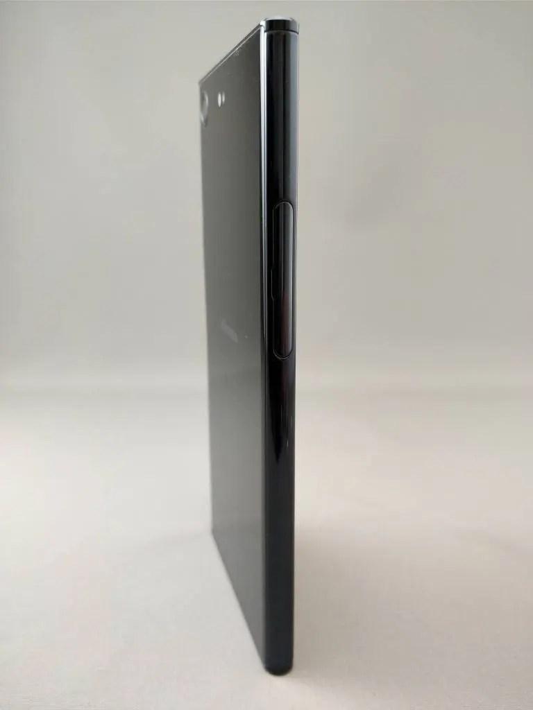 Xperia XZ Premium 裏面2