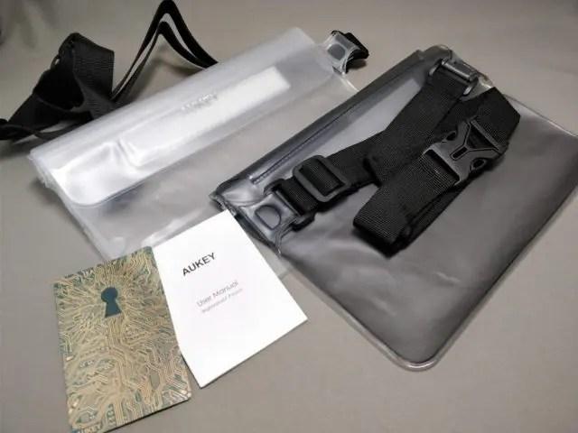 AUKEY 防水ポーチ ケース ブラックと透明 PC-T12 セット