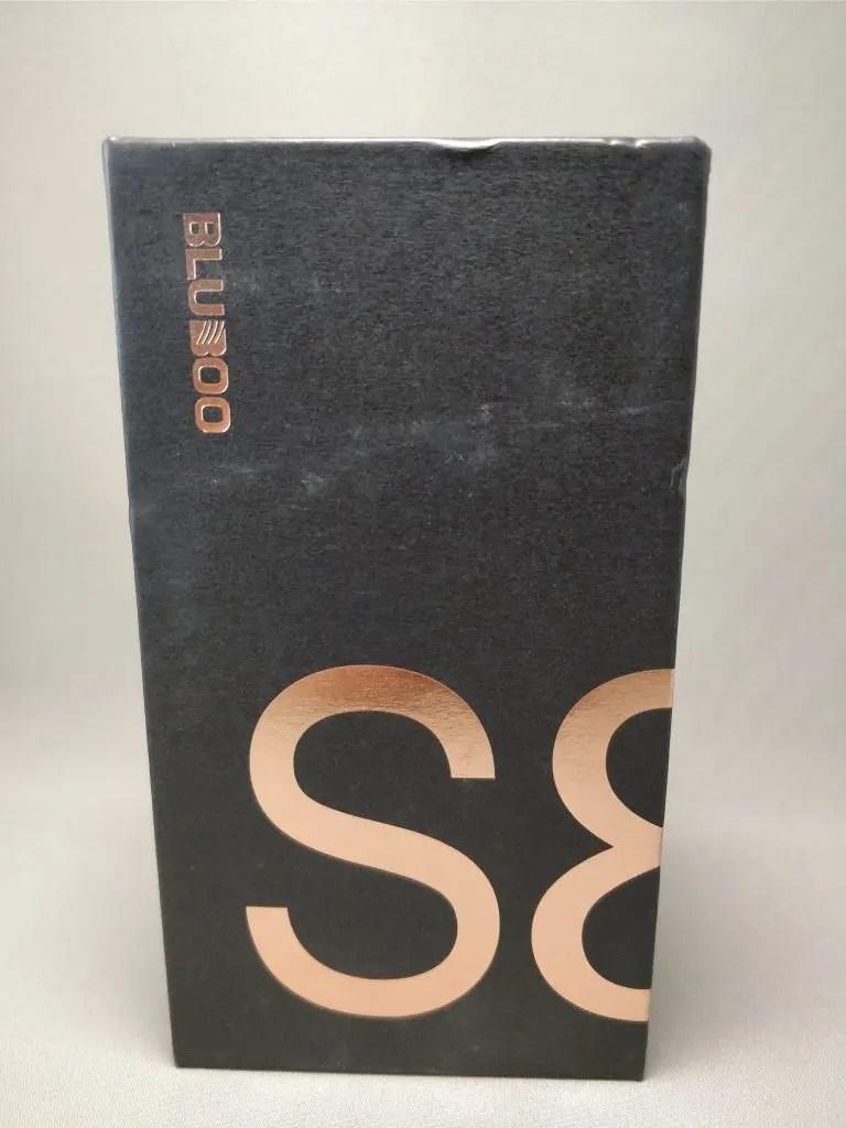 BLUBOO S8 化粧箱 表