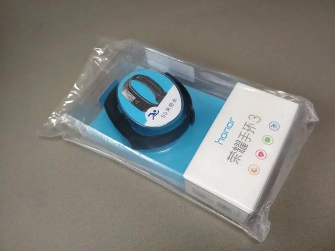 Huawei Honor Band 3 梱包 中 ビニール