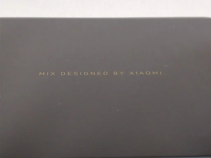 「MIX DESIGNED BY XIAOMI」
