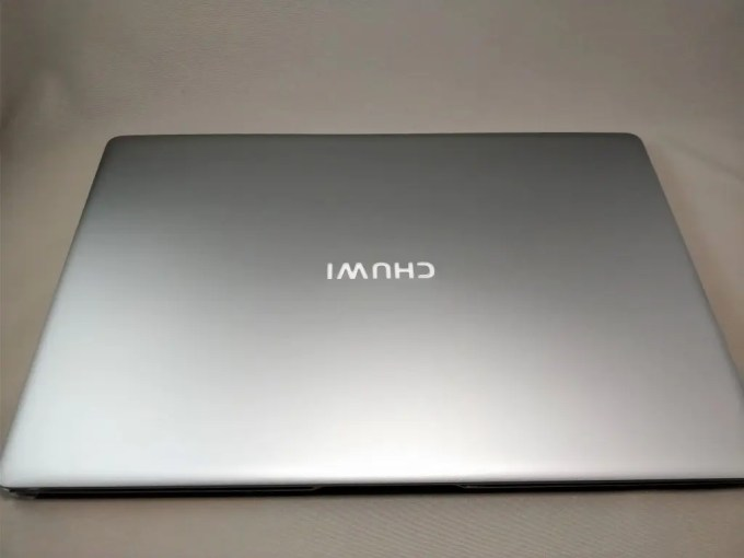 Chuwi Lapbook Air 化粧箱 本体