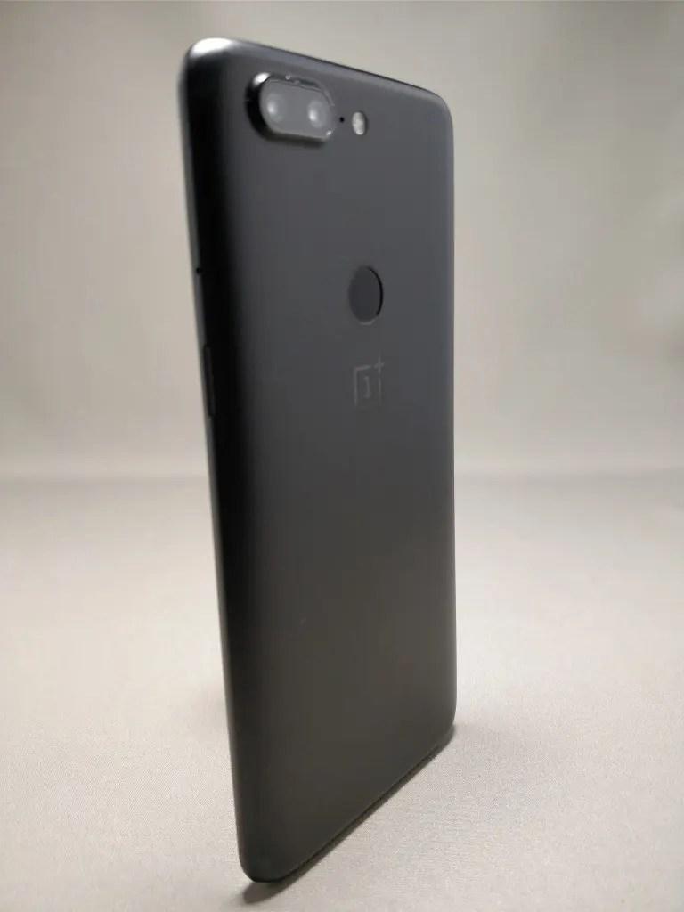 OnePlus 5T 裏15