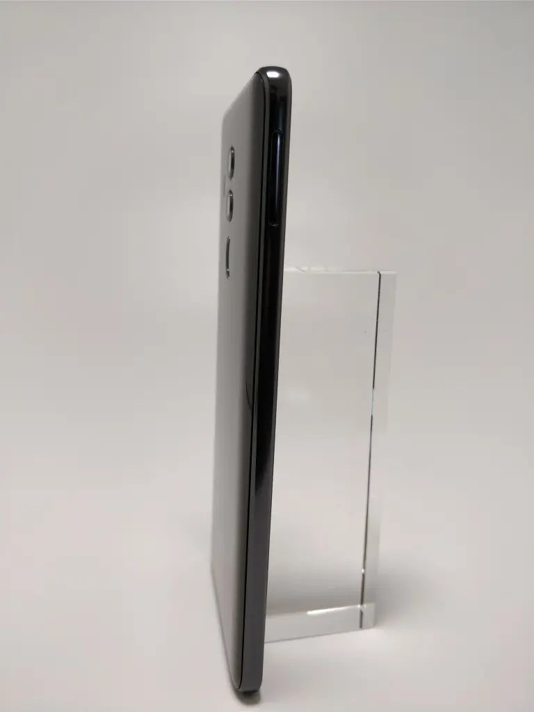 Huawei Mate 10 Pro 裏 5