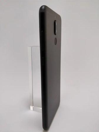 Huawei Mate 10 Lite 裏 12