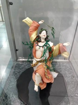 福岡国際空港 人形