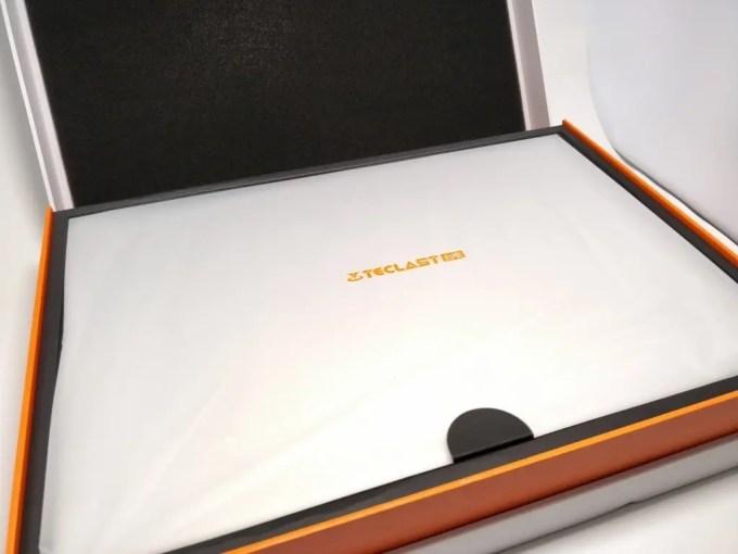 Teclast F7 Notebook 化粧箱 開封