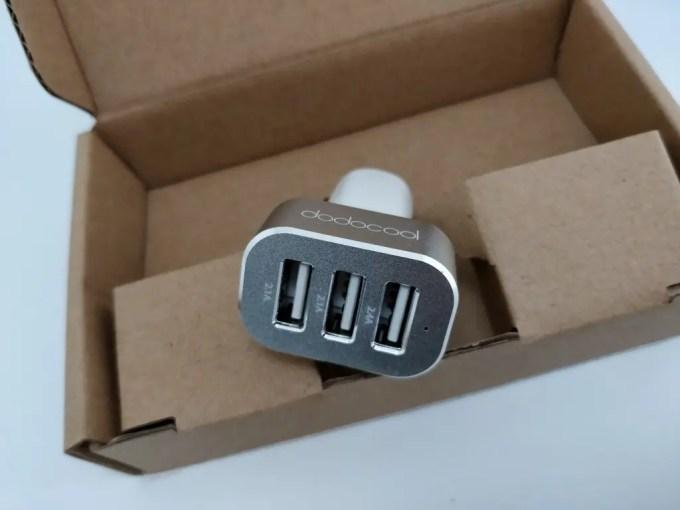 dodocool 3口 USBカーチャージャー シガーソケット 開封