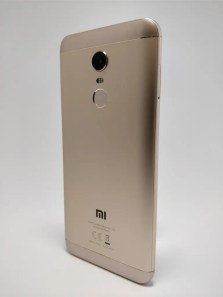 Xiaomi Redmi 5 Plus 裏 5