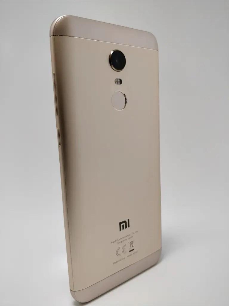 Xiaomi Redmi 5 Plus 裏 20