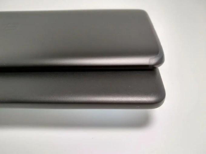 Pixel 2 XL OnePlus 5T 比較 裏 斜め下