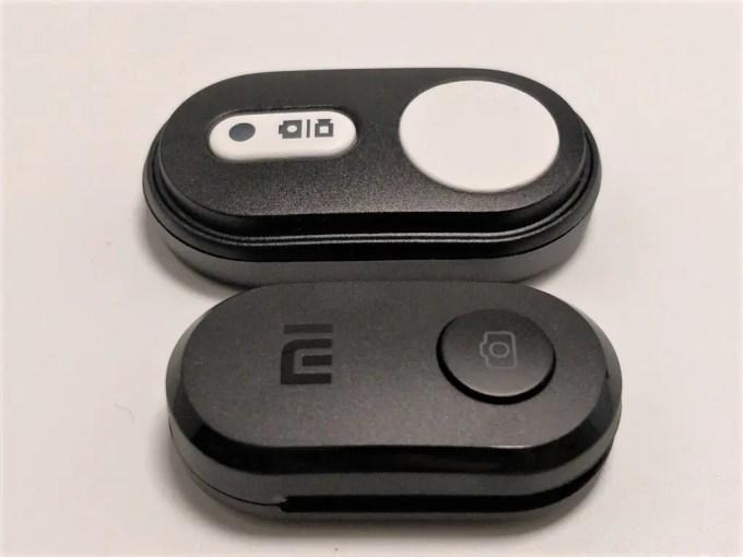 Xiaomiスマホ用自撮り棒本体に装着できるBluetoothシャッター  Xiaomiスマホ用自撮り棒 本体とBTシャッター   Xiaomi スマホ折りたたみ三脚・自撮り棒10  Xiaomiスマホ用自撮り棒 BTリモコン2個