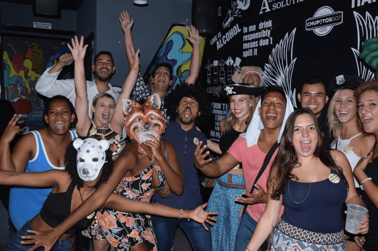 the best night out in Panama City- Panama Bar Crawl by BEYOA- Rosie Bell Panama travel writer