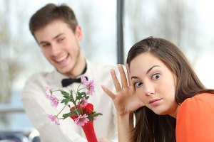 You definitely don't want to do any of these cheesy ways to ask a girl out or you'll end up single for longer.