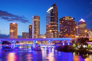 Tampa is a great place for fun, food and love. With these Tampa dating sites, you'll find someone to do all that with.