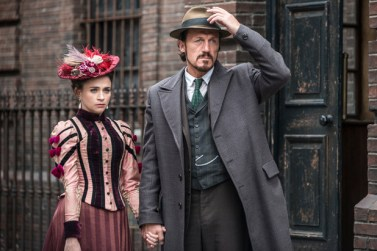 uktv-ripper-street-series-3-episode-8-04