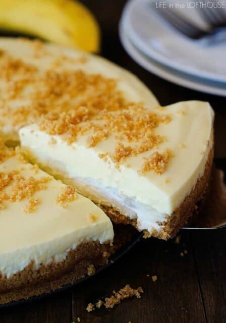 20+ Head Spinning Banana Cream Pie Desserts - Beyond Frosting