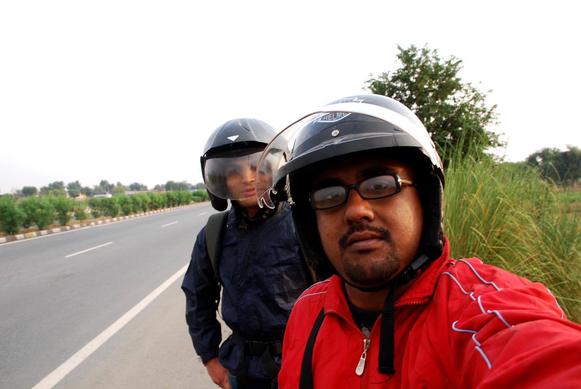 Aamir's helmet is too big for his head!
