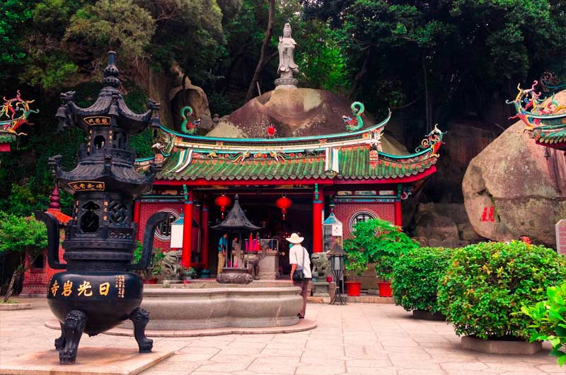 Taoist-temple-Gulangyu-Island-Xiamen-best-citities-to-visit-in-China