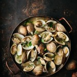 Vietnamese lemongrass beer steamed clams
