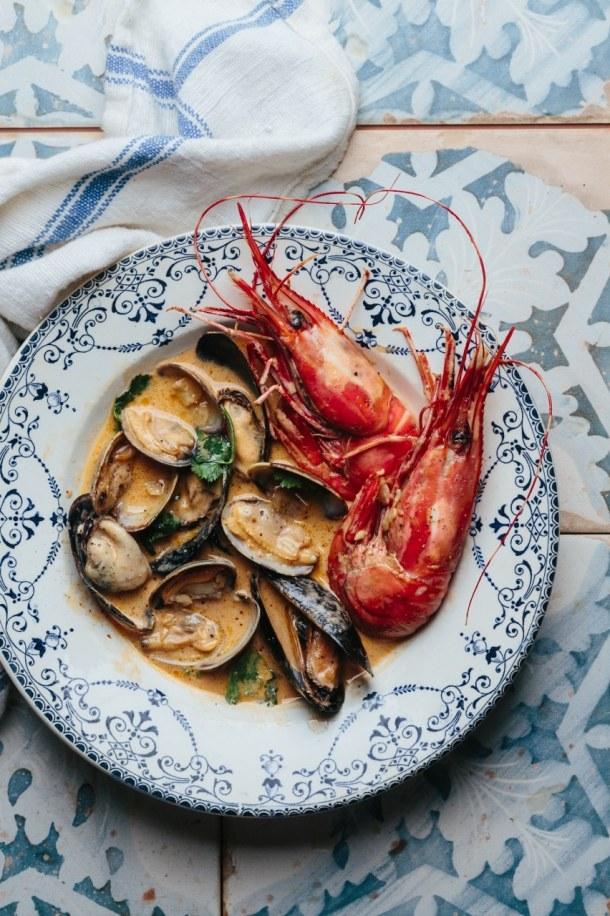 a bowl of Vietnamese seafood soup
