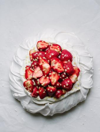 strawberry elderflower pavlova
